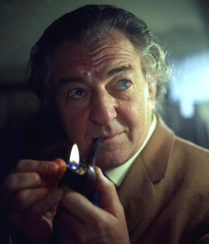 Rupert_Davies_as_Maigret_in_Murder_on_Monday