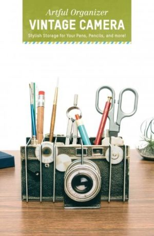 Artful Organizer - Vintage Camera: Stylish Storage for Your Pens, Pencils, and More!