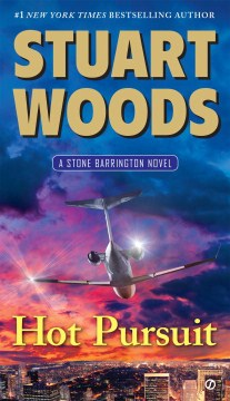 Hot Pursuit by Stuart Woods (Paperback)